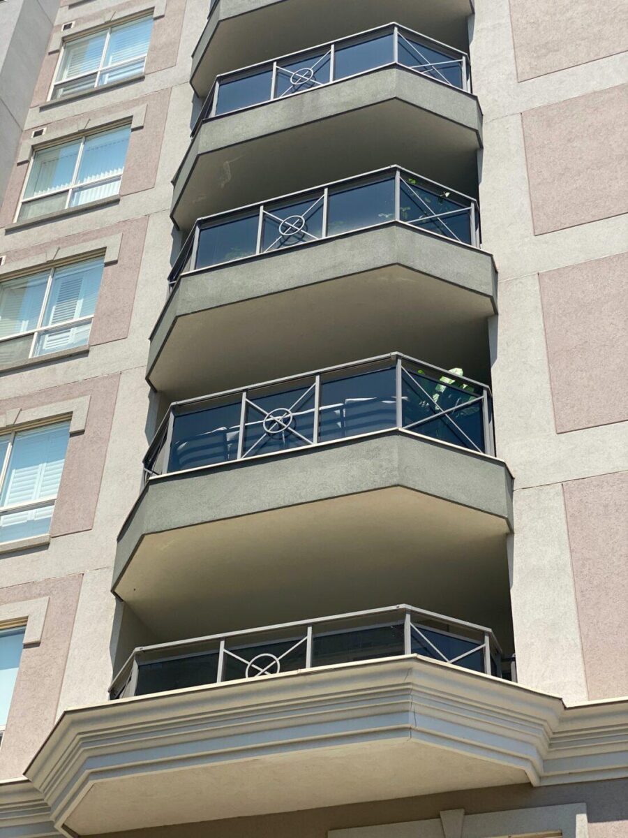 balcony railing in Mississauga
