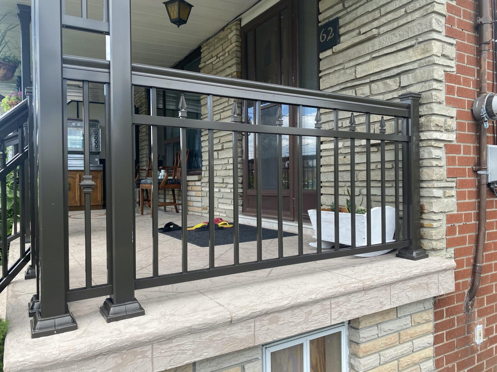 aluminum columns on a front porch in toronto