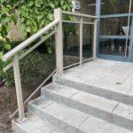 aluminum railing with glass on a stairs in toronto